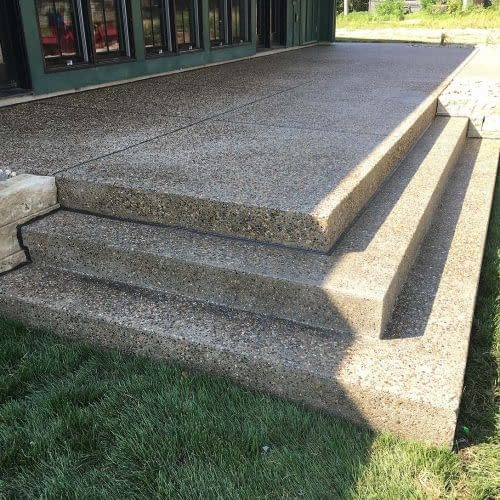 Exposed aggregate with steps