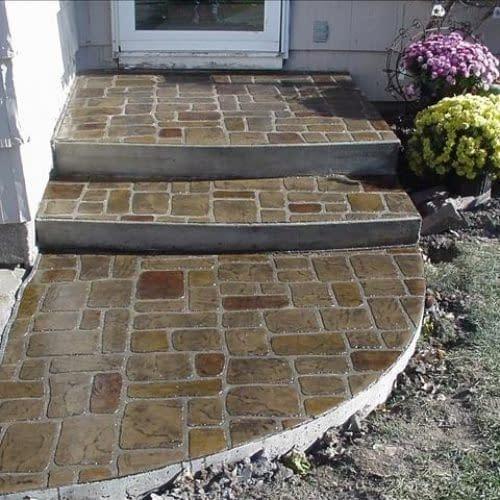 Cobblestone Stoop & Sidewalk